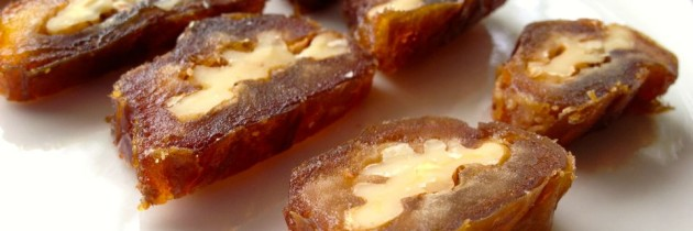 Recipe: Walnuts wrapped in dates (Daechussam 대추쌈)